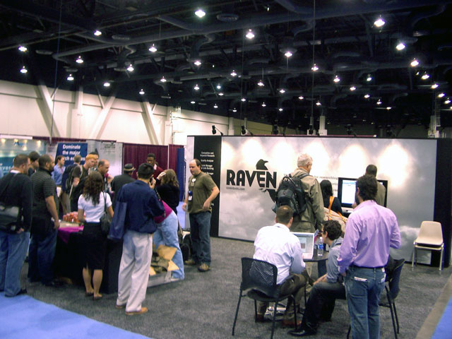 Crowd at PubCon Booth